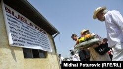 Obilježavanje godišnjice zatvaranje logora Omarska (avgust 2012)