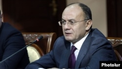 Armenia - Defense Minister Seyran Ohanian gives a news conference in Yerevan, 27Jan2015.