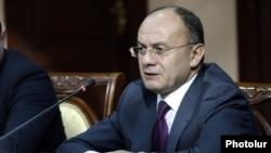 Պաշտպանության նախարար Սեյրան Օհանյանը Կառավարության նիստի ժամանակ