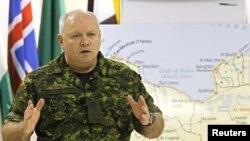 سرتیپ شارل بوشار کانادایی، فرمانده ناتو در عملیاتهای لیبی