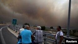 Лісові пожежі у Греції: рятувальна операція триває – фото