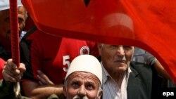 Kosovo albanları diyara Serbiyadan tam müstəqillik verilməsində israr edirlər