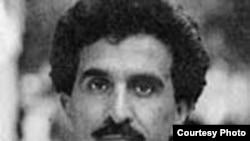 عباس معروفی می گوید که رژيم ايران به هيچ وجه نمي تواند مردم را از خواندن کتاب محروم کند.