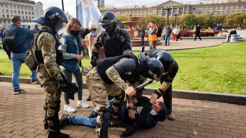 Десять жителей Хабаровска вышли из народного совета при врио губернаторе края Дегтяреве из-за силового разгона мирного митинга