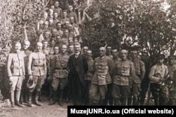 Президент ЗУНР Євген Петрушевич та генерал Мирон Тарнавський у штабі