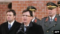 نوربرت دارابوس، وزير دفاع اتریش در انتقاد از استقرار سپر دفاع موشکی آمريکا در شرق اروپا گفت که او هيچ خطری را در موشک های دوربرد ايران برای اروپا نمی بيند.