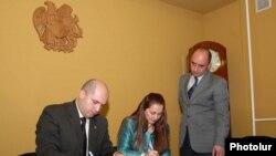 Արմեն Աշոտյանը եւ Լեյլի Մոշիրին ստորագրեցին համագործակցության ծրագիրը