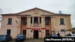 Дом культуры в Столбищах, где находится один из участков для голосования