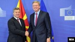 Средба на претседателот Ѓорге Иванов со еврокомесарот за проширување Штефан Филе во Брисел.