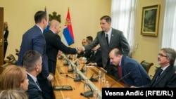 Përfaqësuesit e Listës Serbe gjatë një takimi në Beograd me drejtorin e Zyrës për Kosovën në Qeverinë e Serbisë, Marko Gjuriq. 9 shtator 2017