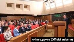 Владимир Константинов на внеочередном заседании крымского парламента. 12 марта 2020 года