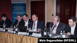 Арчил Кбилашвили на презентации концепции реформы Главной прокуратуры предстал не в ранге экс-главного прокурора, а в качестве главы НПО «Европейский выбор Грузии», которую учредил после того, как подал в отставку в ноябре прошлого года
