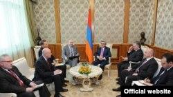 Встреча президента Армении Сержа Саргсяна с сопредседателями Минской группы ОБСЕ, Ереван, 12 апреля 2011 г.