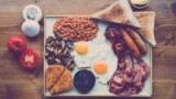 Dejun tradițional britanic