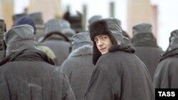 Ресей түрмелерінің біріндегі сотталғандар. Көрнекі сурет