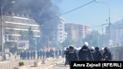 Protest Mitrovčana protiv barikade