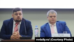 Фондның башкарма җитәкчесе Алексей Алексеев һәм Роман Путин (у)