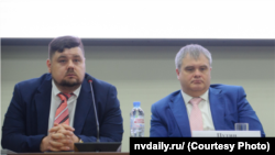 Cлева: исполнительный директор фонда Алексей Алексеев и Роман Путин