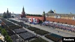 د مسکو پر سره میدان به د یارلس هېوادونو۱۳ زره عسکر، ۷۵ الوتکې او ۲۰۰ پوځي زغره وال موټر په پوځي پرېډ کې برخه لري.