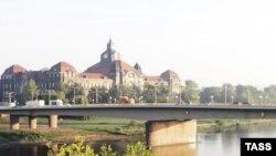 В ЮНЕСКО полагают, что строительство моста Вальдшлесхенбрюке визуально уничтожит исторический облик города и уникальный ландшафт долины Эльбы