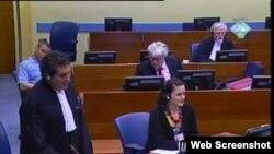 Radovan Karadžić u sudnici na mjestu predviđenom za branitelje, 15. ožujak 2011.