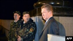 """Gazpromyň"" başlygy A.Miller (s) Ukainanyň energiýa ministri we ÝB-niň energiýa komissary bilen Kiýewde geçiren gepleşiginden soň, 16-njy iýun, 2014."