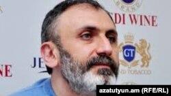 «Անտարես» հրատարակչության տնօրեն Արմեն Մարտիրոսյանը, արխիվ: