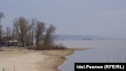 Волжский берег в районе Казани