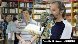 Emilian Galaicu-Păun introducînd Dicționarului lui Valentin Guțu