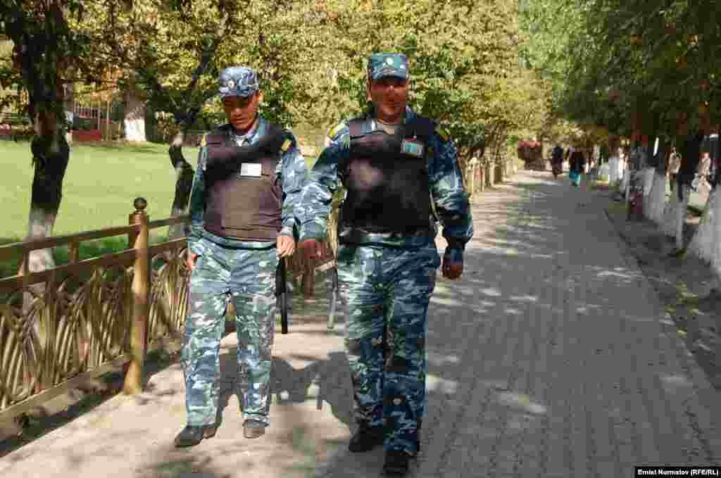 Накануне второй годовщины трагических событий 2010 года в Оше приняты усиленные меры безопасности