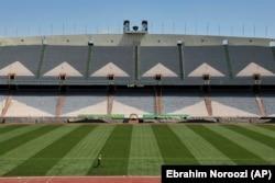 Порожній стадіон «Азаді» в Тегерані, 5 квітня 2020 року. Через пандемію спортивні заходи в Ірані були скасовані
