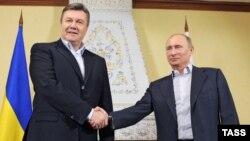 Украина президенті Виктор Янукович пен Ресей президенті Владимир Путин. Ресей, Тверь облысы, 4 наурыз 2013 жыл.