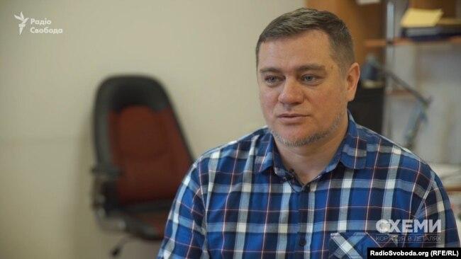 Юрій Ніколов припускає, що олігарх «вкладається» у підтримку тих, хто матиме владу