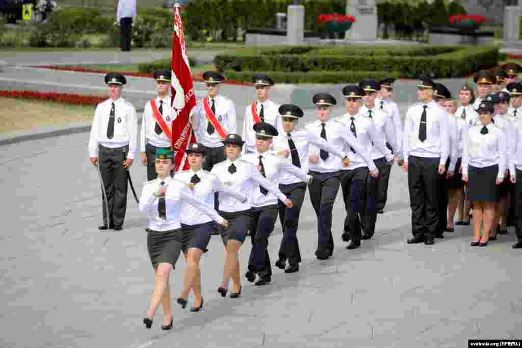 Дыплёмы з адзнакай і залатыя мэдалі атрымалі 11 выпускнікоў, яшчэ 33 лейтэнанты — чырвоныя дыплёмы.