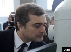 Нацболы уверены, что за их высылкой стоит бывший заместитель главы администрации президента России Владислав Сурков