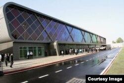 Терминали нави Фурудгоҳи байналмилалии Душанбе бо сармояи Фаронса бунёд шудааст.
