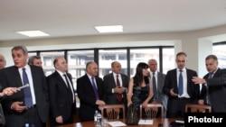 Իշխանական կոալիցիայի եւ ՀԱԿ ներկայացուցիչների առաջին հանդիպումը, 18 հուլիս, 2011