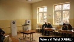 Qendër votimi në Prishtinë