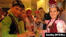 Фестивальдә катнашучы татар яшьләре