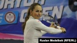 Юлия Путинцева Алматыдағы жаттығу залында. 26 қазан 2016 жыл.