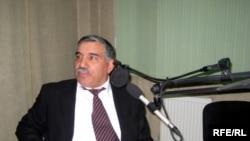 Əfv Komissiyasının üzvü, şair Zəlimxan Yaqub