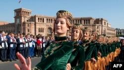 Երևանում նշում են մայրաքաղաքի օրը, արխիվ
