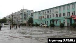 Ливень в Керчи (архивное фото)