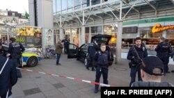 Поліція на місці в'їзду нападника у натовп в Гейдельберзі, Німеччина, 25 лютого 2017 року