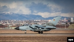 A Recce Tornado of the German armed forces takes off for its first operational flight at the air base in Incirlik in January 2015.