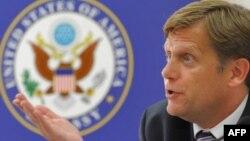 """Станет ли Майкл Макфол жертвой критиков """"перезагрузки"""" в отношениях между США и Россией?"""