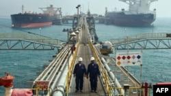 ميناء البصرة النفطي