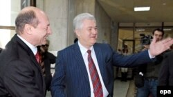 This time Basescu (left) gets to show Voronin the door.