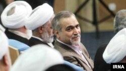 حسین فریدون، دستیار ویژه رییسجمهوری اسلامی، چند ماه است که از سوی اصولگرایان به فساد مالی متهم شده است.