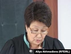 Талдықорған қалалық сотының судьясы үкім оқып тұр. Көрнекі сурет